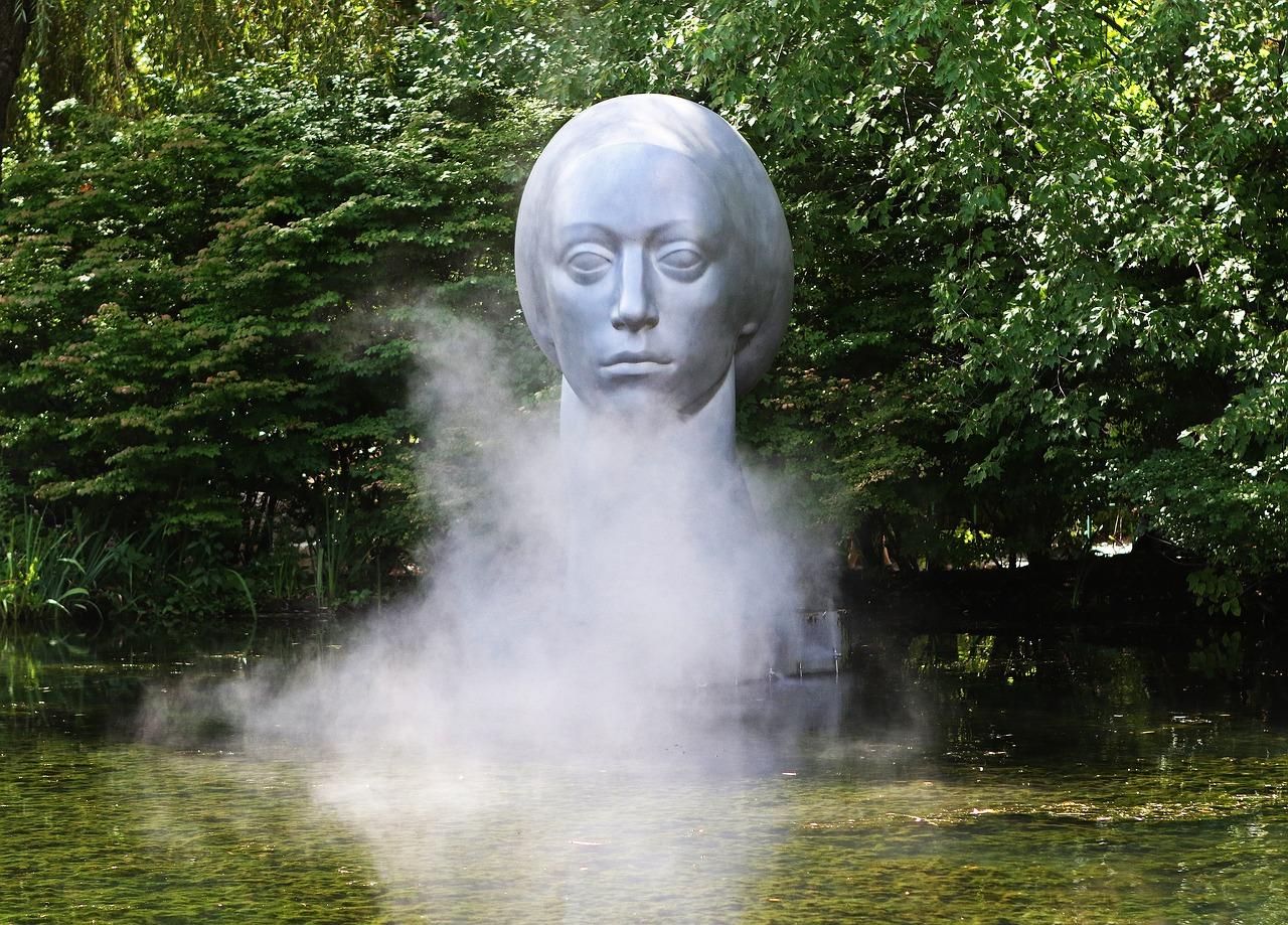 sculpture-2446469_1280